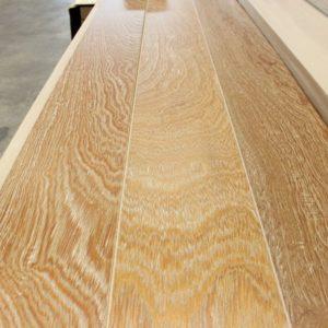 Engineered – Manoa Oak – Select – 9 1/4 x 1/2″ – Valencia – 2% Gloss
