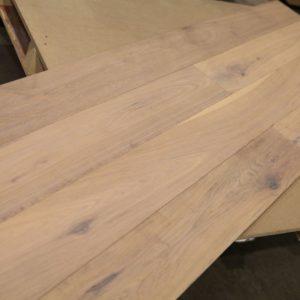 Engineered – White Oak – Premium – 6″ x 9/16 – White Wash – Matte