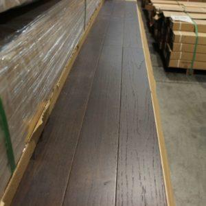 Hardwood – Red Oak – Select – 3 1/2 x 3/4″ – Lindt – Matt