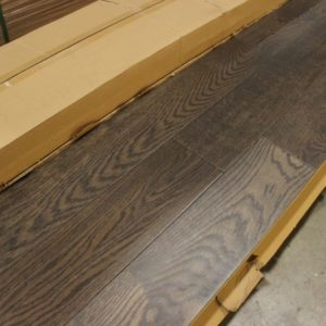 Engineered – Oak – Select – 5 x 3/4″ – Handscraped & Distressed