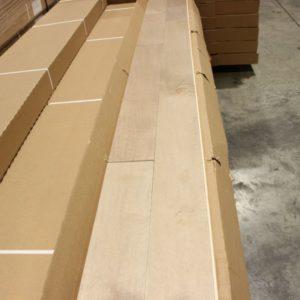 Hardwood – Maple – Select – 4 1/4 x 3/4″ – Tenzo – Matte