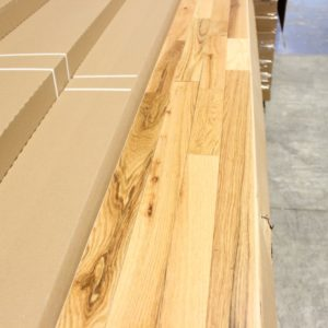 Hardwood – Red Oak – Rustic – 2 1/4 x 3/4″ – Natural – Matte