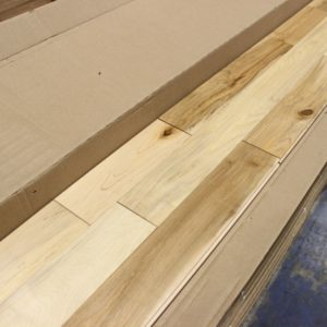 Hardwood – Silver Maple – Colonial – 3 1/4 x 3/4″ – Natural – Satin