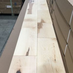 Hardwood – Maple – Rustic – 5 x 3/4 – Natural – Matte