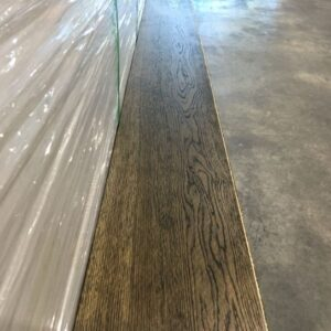 Engineered – Euro Oak – Premium – 5/8  x 7 1/2″ – Brushed Dark Brown Lacquer