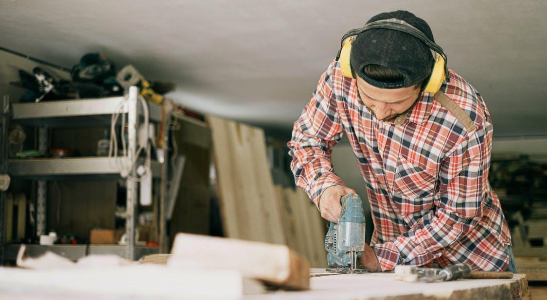 How to remove hardwood floor