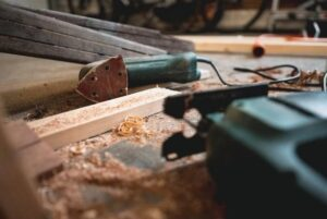 Instructions for installing a wood floor