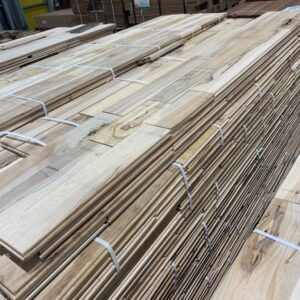 Hardwood – Maple – Maple 3 Inch Colonial ''Ultra Rustic'', 3/4, Unfinished
