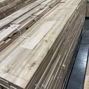 Hardwood – Maple – Maple 4 Inch Colonial ''Ultra Rustic'', 3/4, Unfinished